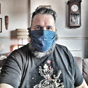 Bearded man wearing a face mask